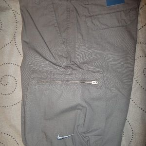 NIKE CARGO SHORTS SIZE 32 MEN NWT $50.00